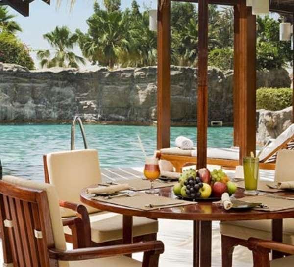 MoreCravings_Flamingos Pool Bar & Restaurant_