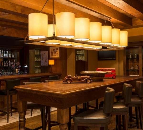 MoreCravings_Charlie's Pub_Dubai